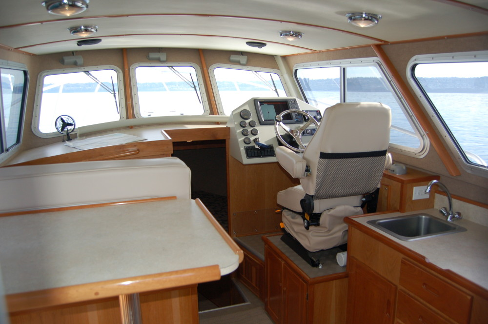 31 Pilot Main Cabin