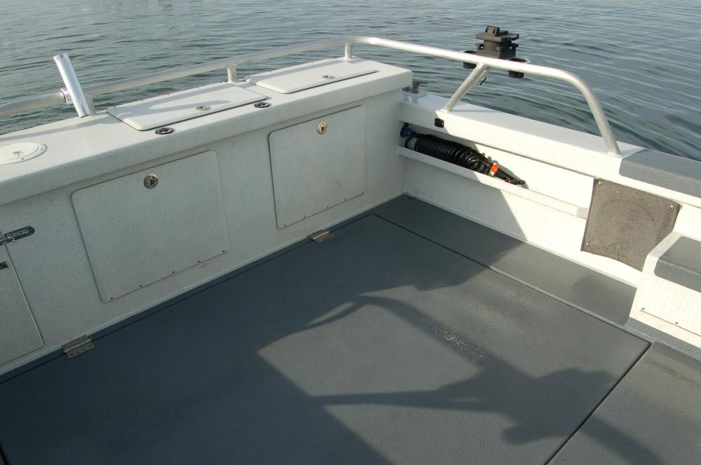 31 Pilot Port Cockpit