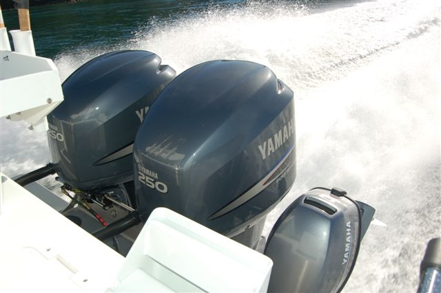 33 Pilot Twin Outboard